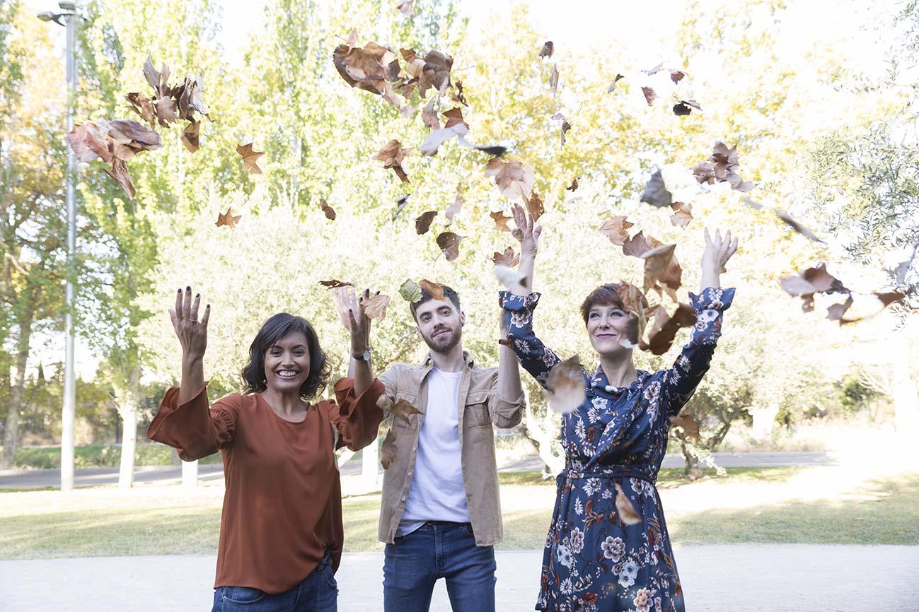 Looks de otoño en Atrezzo Peluquería Zaragoza con Nuria, Alex @galexkun y la blogger Mua Carmen y fotografías de Kinojam